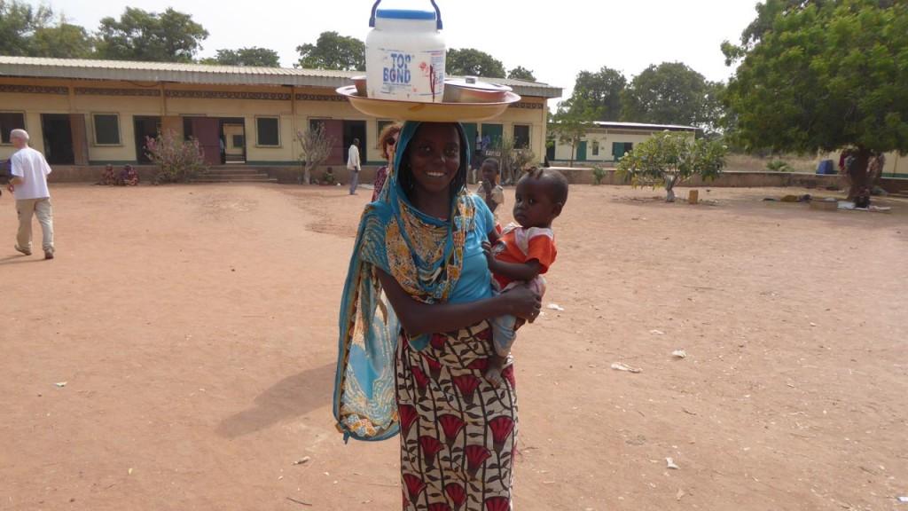 iluminafrica en el Chad Africa y Enrique Ripoll de optica guara 03